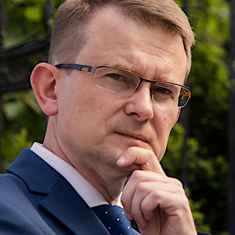Dr. ARŪNAS DULKYS